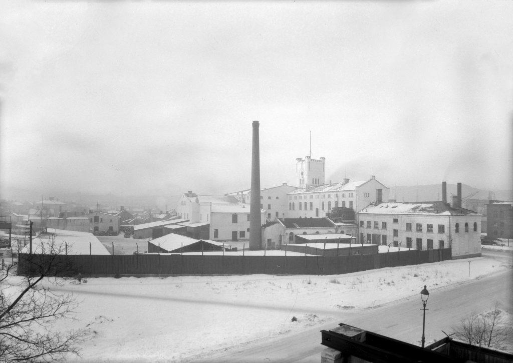 Aktiebryggeriet, sett fra Stiklestadveien, januar 1951.
